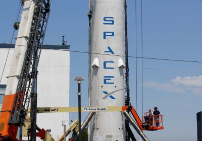 SpaceX reduced costs of Falcon 9 to less 50 % thanks to reusing