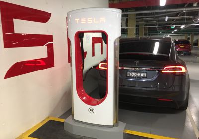Tesla returns free unlimited Supercharging to their offer