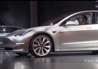 VIDEO: Parodie Tesla Model 3 vs Faraday Future, Porsche, Audi