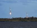 falcon-heavy-side-booster-landings-2-tom-cross-1024x576